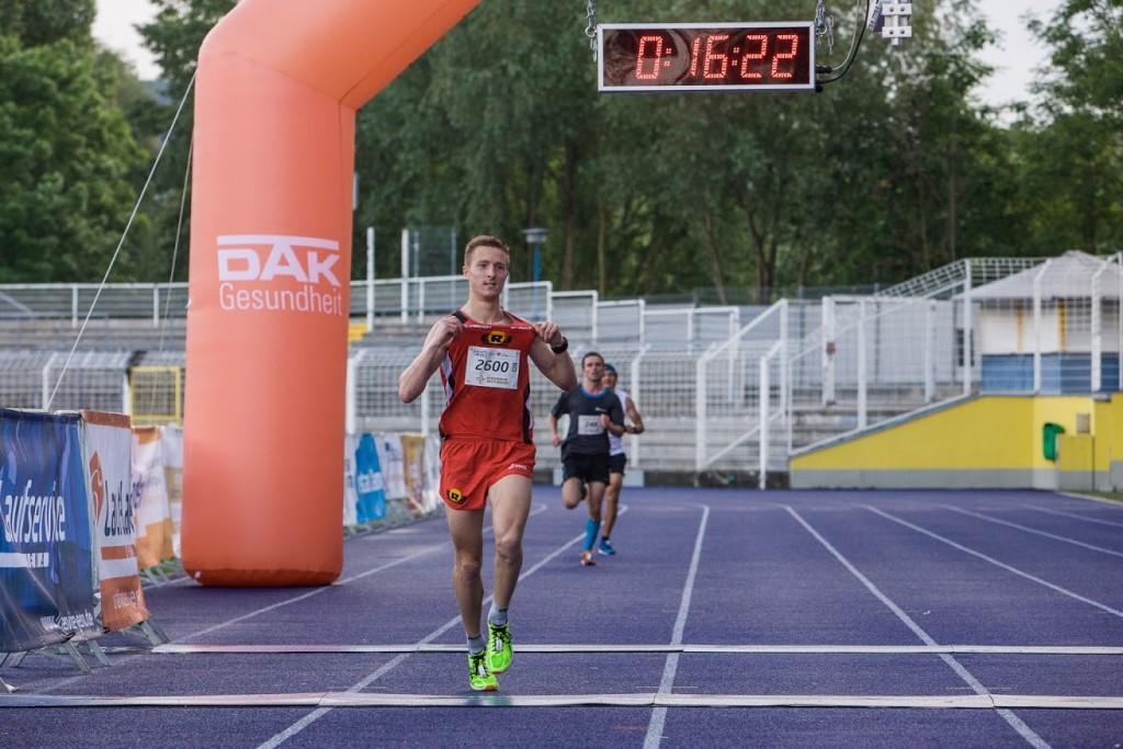 Jenaer Firmenlauf Läufer Jonathan Cierpinski